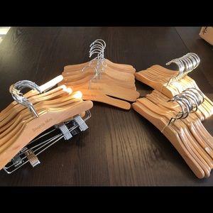 COPY - COPY - Baby wooden hangers / cintres en bo…